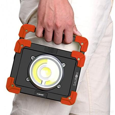 SAURON: proiettore 20W ricaricabile 1200 lumen. Con powerbank IR827 Proiettori ricaricabili da lavoro Velamp