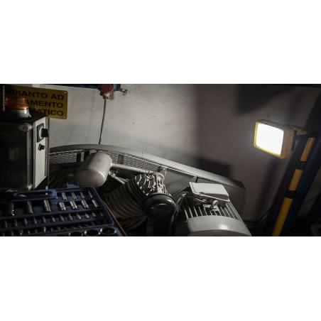 Faretto led 50w ricaricabile 3600 lm con caricatori x blast ST225 Proiettori ricaricabili per il cantiere Velamp