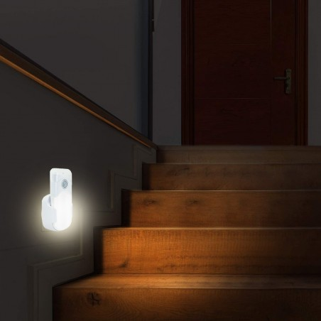 Punto luce con PIR + luce anti black-out + torcia. Spina orizzontale europea R720H Luci notturne Velamp